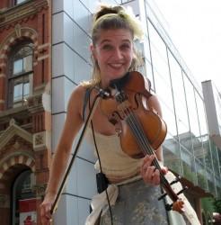 Smiling fiddler